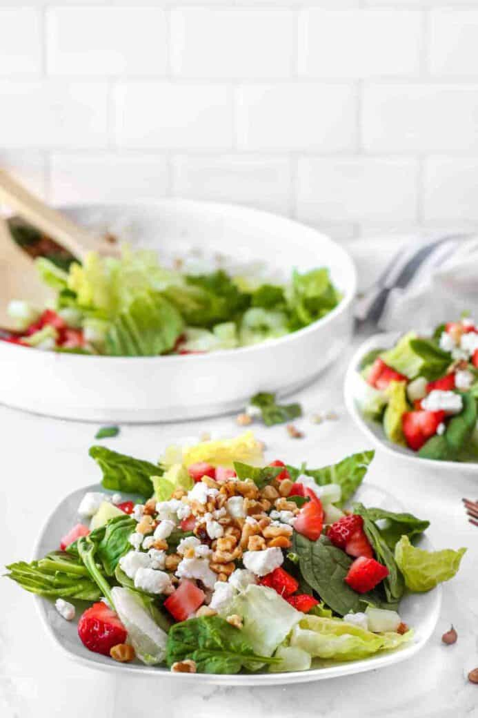 walnuts, goat cheese and strawberry salad